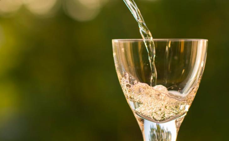 """酒鬼酒一季度营收下降现金流为负 """" 甜蜜素""""风波依然未平息"""