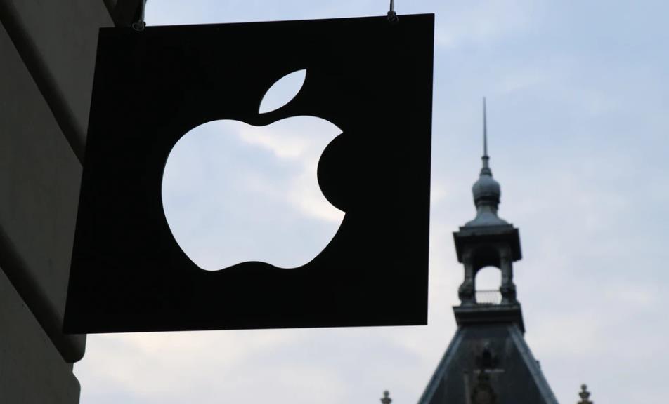 iPhone4月销量大跌77% 首款5G手机iPhone 12或推迟至9月发布
