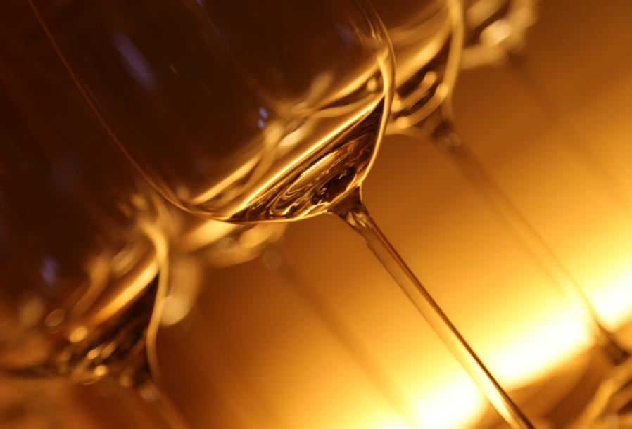 茅台镇第二大酒企国台酒业拟IPO 资产负债率为行业均值1.9倍